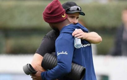 Williamson's gesture for bereaved Roach wins hearts