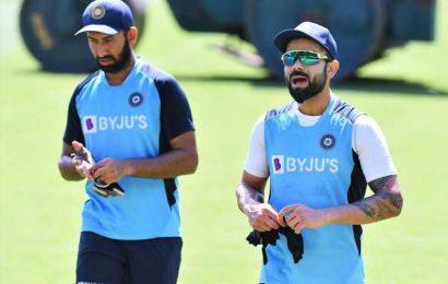 Kohli calls for 'special team meeting'