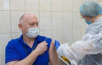 Russia vaccinates its cosmonauts against COVID-19