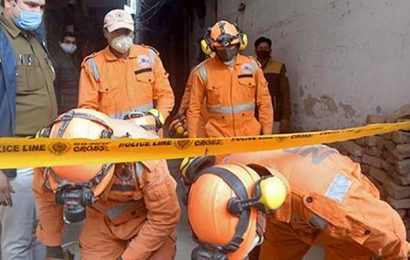 Four die in roof collapse