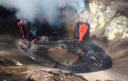 Kilauea volcano erupts on Hawaii's Big Island, residents urged indoors