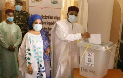Niger votes in presidential, legislative elections
