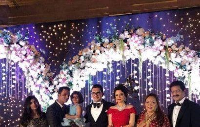 Aditya Narayan-Shweta Agarwal reception: Udit Narayan takes us back in time as he croons the iconic Mehendi Laga Ke Rakhna — watch INSIDE videos
