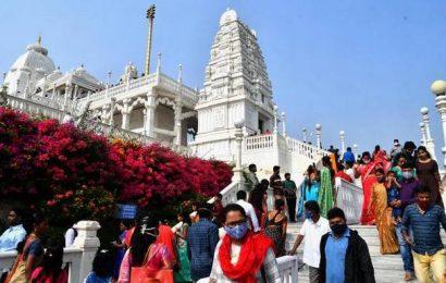 Devotees throng temples on Vaikunta Ekadasi