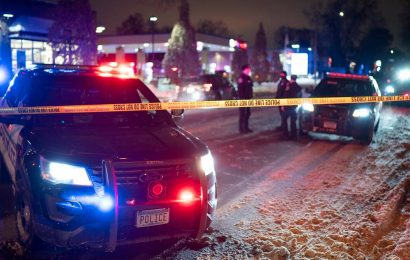 Minneapolis police fatally shoot man during traffic stop