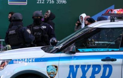 At least 2 U.S. Marshals, suspect shot in New York, say police