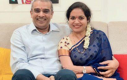 Singer Sunitha and Ram wedding postponed!