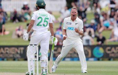 Kiwis have Pakistan in a bind