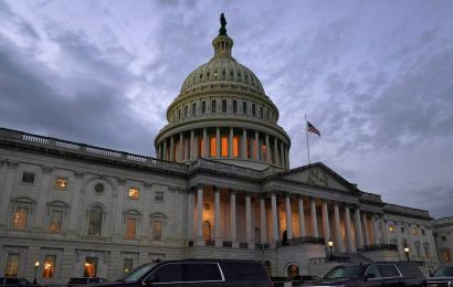 US House passes $900 billion Covid-19 relief, catchall measure