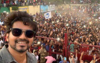 Vijay Selfie part of India record