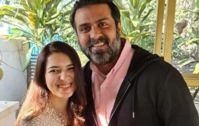 Harman Baweja gets engaged to Sasha Ramchandani, see pics from roka ceremony