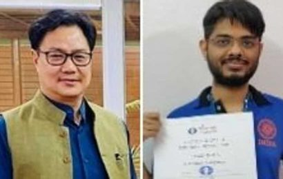 Rijiju steps in to resolve issue after chess player Narayanan asked to pay custom on gold medal