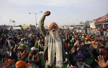 Ringing in New Year with slogans and songs of resistance at Delhi's Singhu border