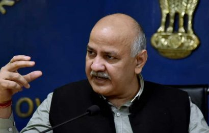 DCW institutes inquiry after Dy CM Sisodia's family attacked in Delhi