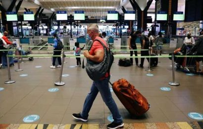 New Covid-19 strain in South Africa: Countries that announced flight suspensions