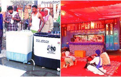 Protest site draws 'sewa' — medicine stalls, laundry service, temple & library come up