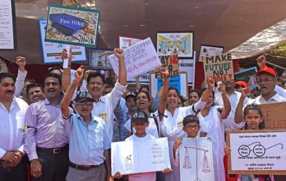 Parents threaten to protest if school fee grievances not redressed by Maharashtra education department