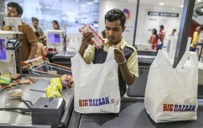 Delhi HC declines to injunct Amazon from writing to authorities about SIAC award against Future Retail