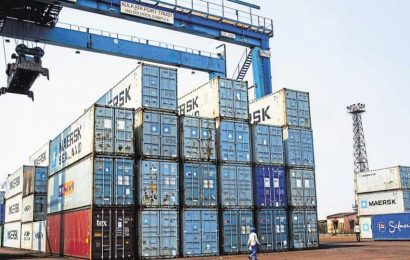 Major ports' cargo traffic falls for 8th month straight in November