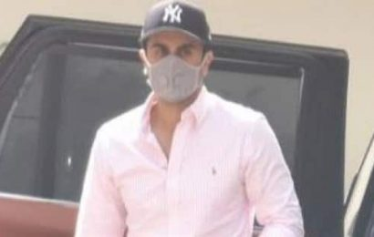 Brahmastra actor Ranbir Kapoor looks dashing in a crisp pink shirt and denims as he is spotted in the city — view pics