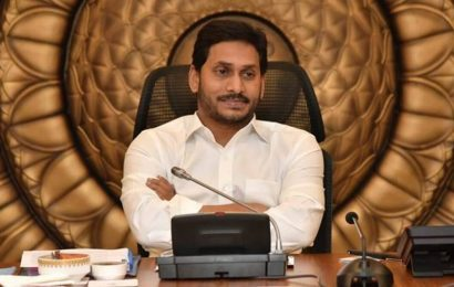 Andhra CM Jagan Mohan Reddy visits hospitalised victims of mystery disease