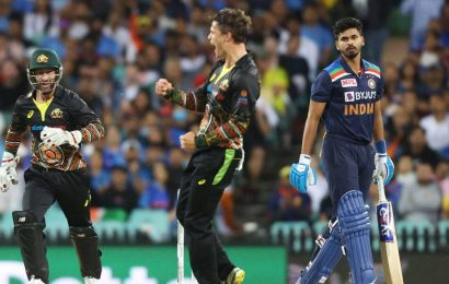 Australia prevent clean sweep by India with 12-run win in final T20I in Sydney