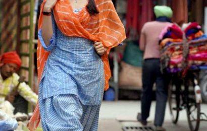 Like Janhvi Kapoor's new look?