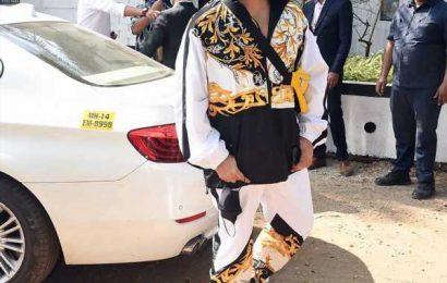 Karan Johar arrives for Varun's wedding!