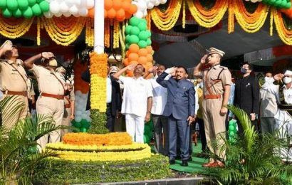 R-day celebrated with gusto as active cases dip