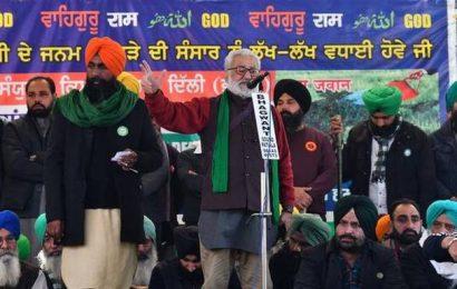 Republic Day violence | Delhi Police name farmer leaders in FIRs