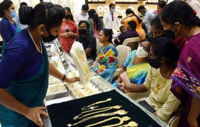 Gold gains ₹ 347; silver climbs ₹ 606