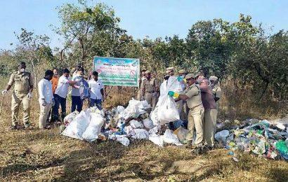 Special drive to make Hyderabad-Narsapur road plastic-free