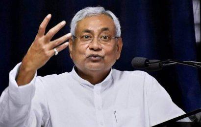 Nitish Kumar wishes speedy recovery to Lalu Prasad Yadav