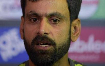 Pakistan drops Hafeez, Fakhar for T20Is