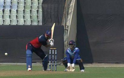 Mumbai comes a cropper against Delhi