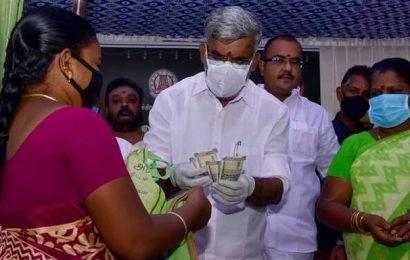 Distribution of Pongal gift hamper and cash gets under way