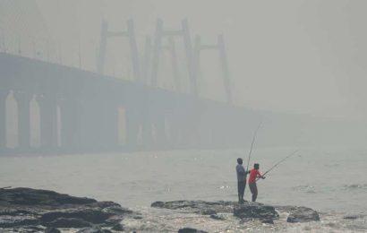 Light rain and thunder likely in Mumbai; AQI remains very poor