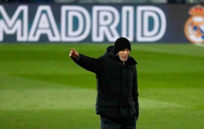 Real Madrid's Zidane backs Benzema following charge in sex tape case