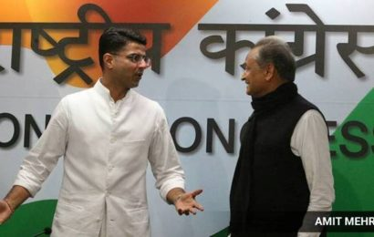 Pilot, Gehlot share stage during dharna against farm laws