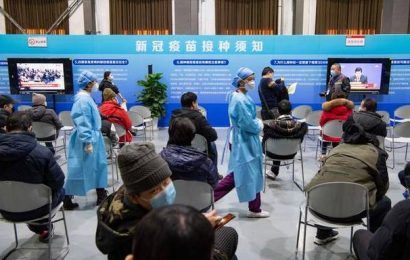 Thousands vaccinated in Beijing against COVID-19