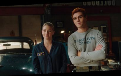 Archie & Betty's Shower Sex Scene On 'Riverdale' Was All Kinds Of Steamy