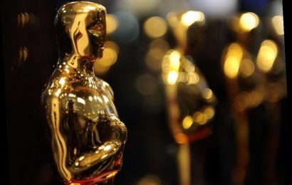 The Most Awkward Moment in Oscar History Involved a False Death: 'I Am Alive and Well'