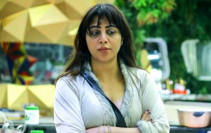 Bigg Boss 14: Why is Arshi controlling everyone?