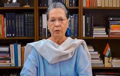 Govt. profiteering from people's miseries: Sonia