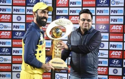 Syed Mushtaq Ali Trophy | This win means a lot for the State, says Dinesh Karthik