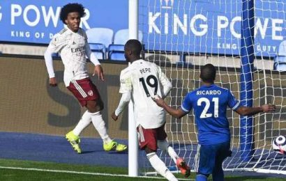 Arsenal rekindle European hopes with away victory at Leicester City