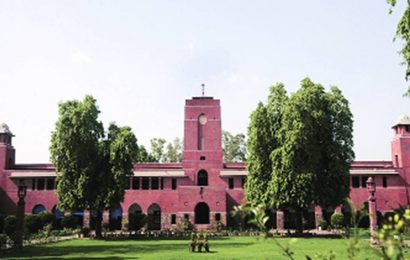 Delhi University to reopen today for final-year students