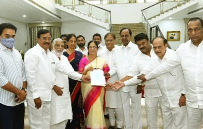 Narasimha Rao's daughter files nomination for election to Telangana Legislative Council