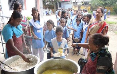 Pay for mid-day meal workers hiked to ₹2,000 in Jharkhand
