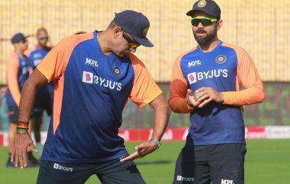 Select Team: Should Siraj or Umesh replace Bumrah?